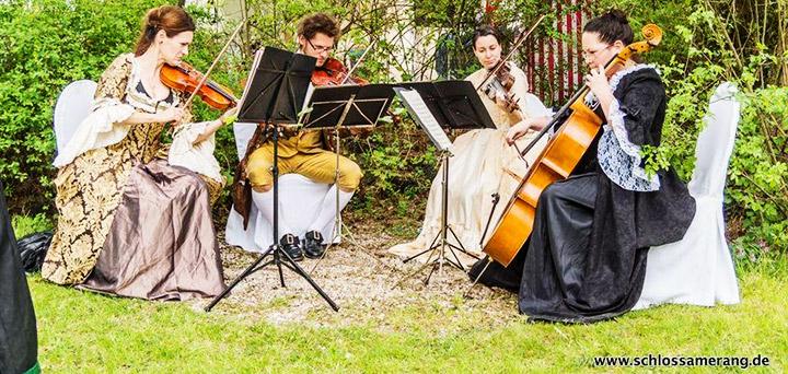 ofyr-messe-duschl-outdoor-schloss-amerang